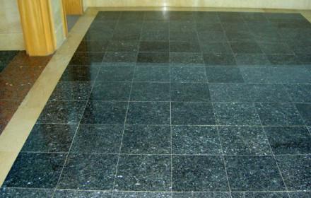 Граніт - натуральний камінь, широко використовуваний в якості оздоблювального матеріалу